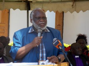 Migori senator Wilfred Machage addresing the public at Msomi College in Migori town
